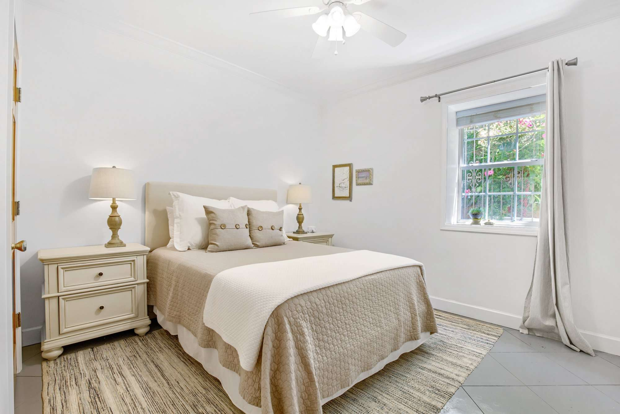 Dogwood Queen Bedroom Jubilee Suites Fairhope, AL