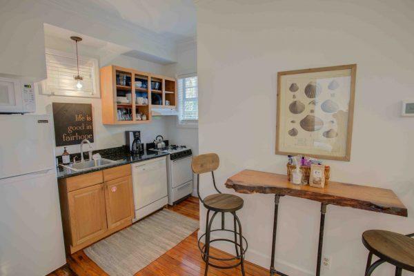 Jubilee Suites, Fairhope, AL- New Orleans Kitchen and Breakfast Bar
