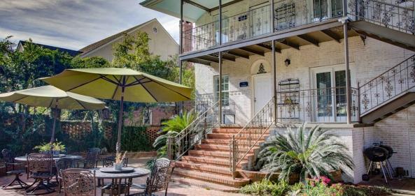 Jubilee Suites New Orleans-style Courtyard, Fairhope, AL