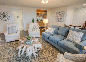 Living room at Jubilee Suites in Fairhope, AL